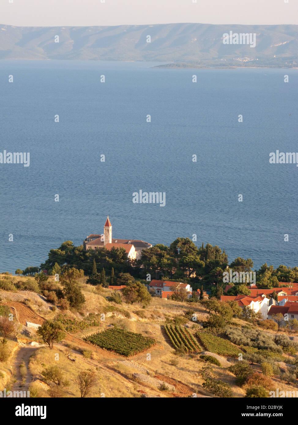 Bol, Croatie, l'île de Brac avec la ville historique de Bol Photo Stock