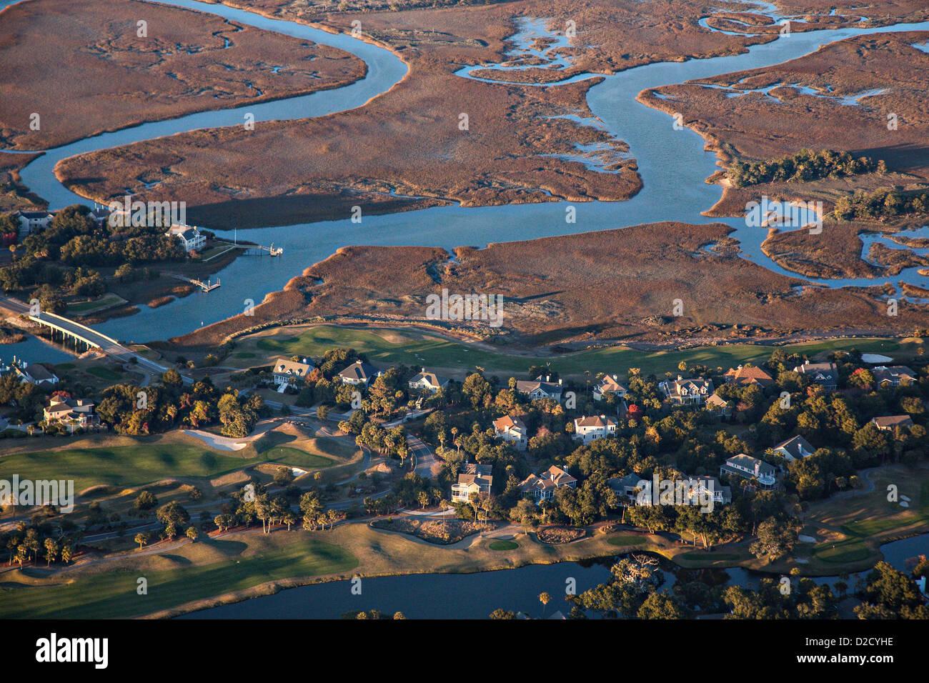 Le cours de la rivière aérienne montrant sur Kiawah Island, Caroline du Sud. Photo Stock