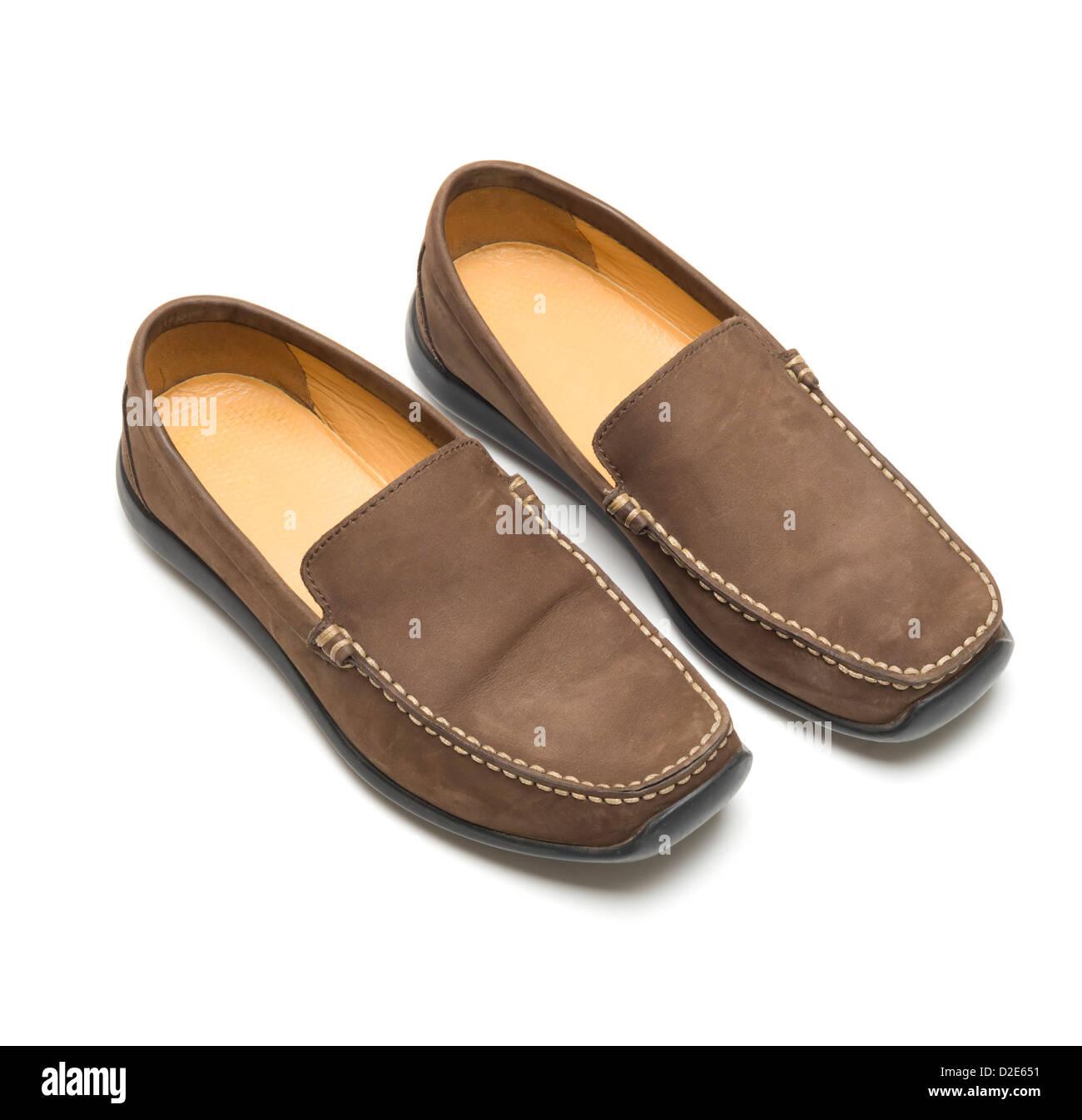new concept 36453 cb2ba Une paire de chaussures en daim marron isolé sur fond blanc