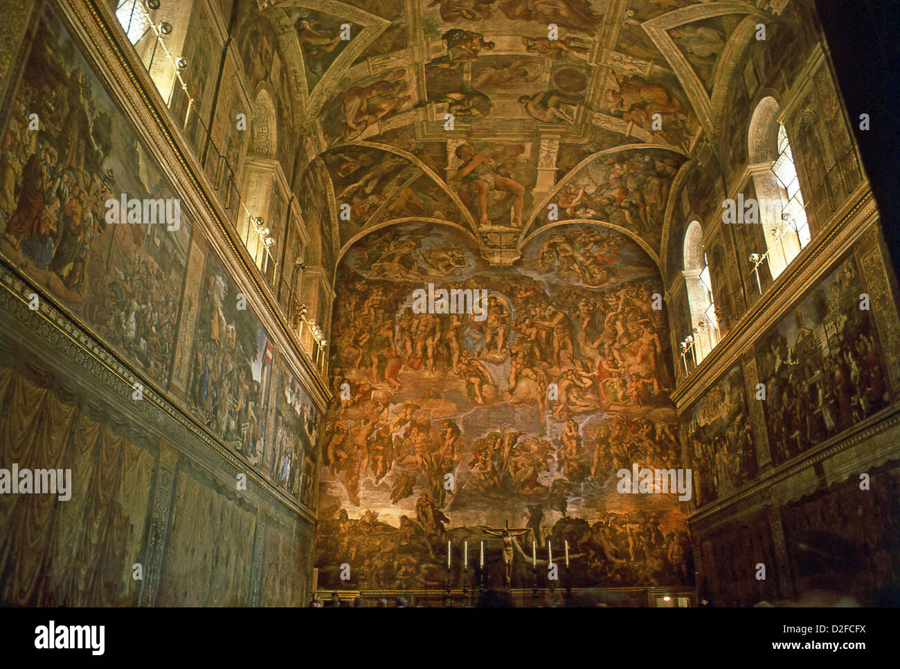Le Plafond De La Chapelle Sixtine Peint Par Michel Ange Palais
