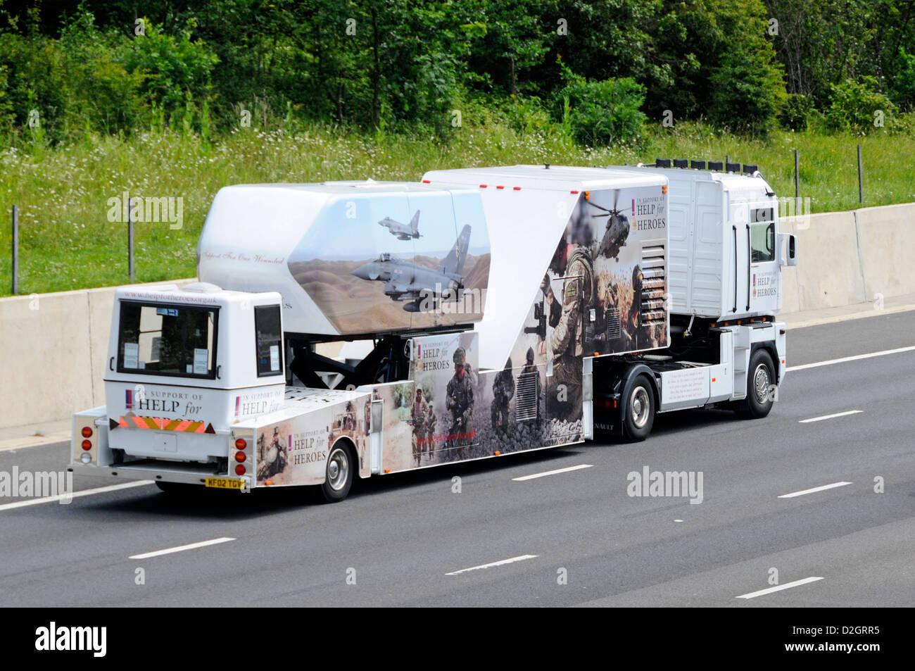 Événement de bienfaisance véhicule d'assistance pour obtenir de l'aide aux héros voyageant Photo Stock