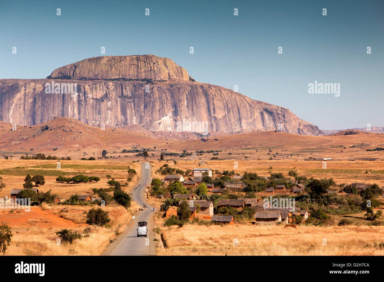Madagascar, la route RN7, la bonnette de l'Eveque, Évêques Cap rock, affleurement de granit Banque D'Images