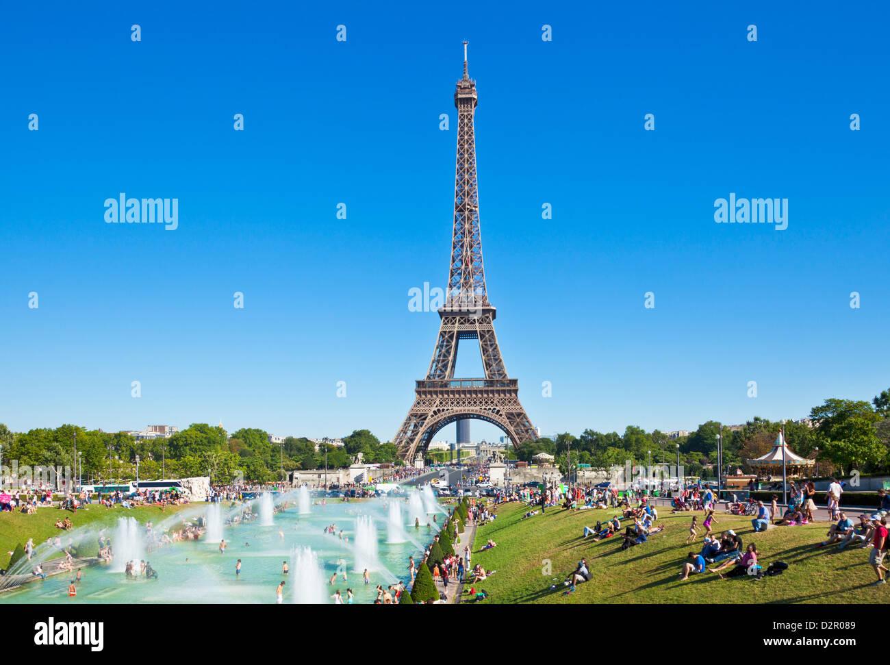 La Tour Eiffel et le Trocadéro Fontaines, Paris, France, Europe Photo Stock