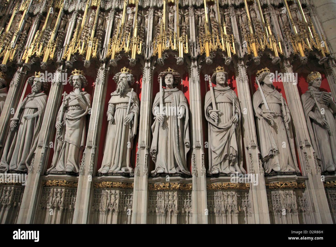 Statues de saints, York Minster, York, Yorkshire, Angleterre, Royaume-Uni, Europe Photo Stock