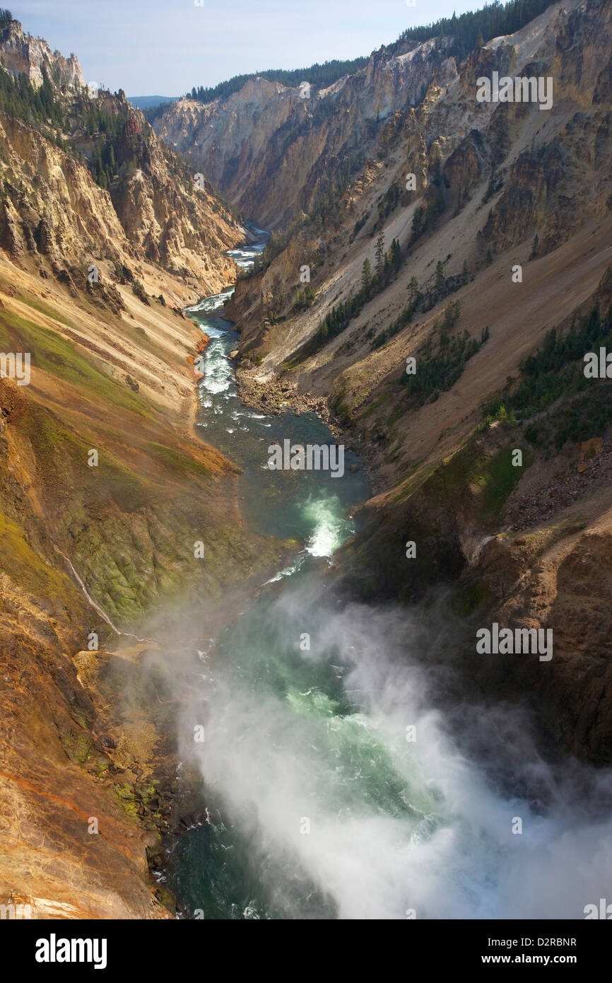 Bord de Lower Falls de Yellowstone River, Grand Canyon de la Yellowstone, le Parc National de Yellowstone, Wyoming, Photo Stock