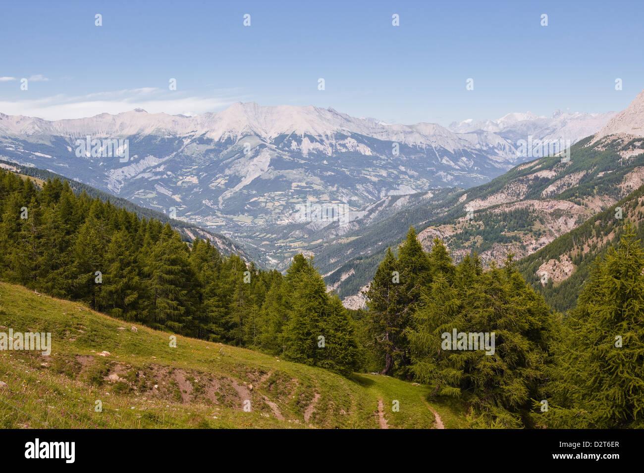Le Col de la chaîne de montagne et par la vallée de l'Ubaye dans les Alpes de Haute Provence, Provence, Photo Stock
