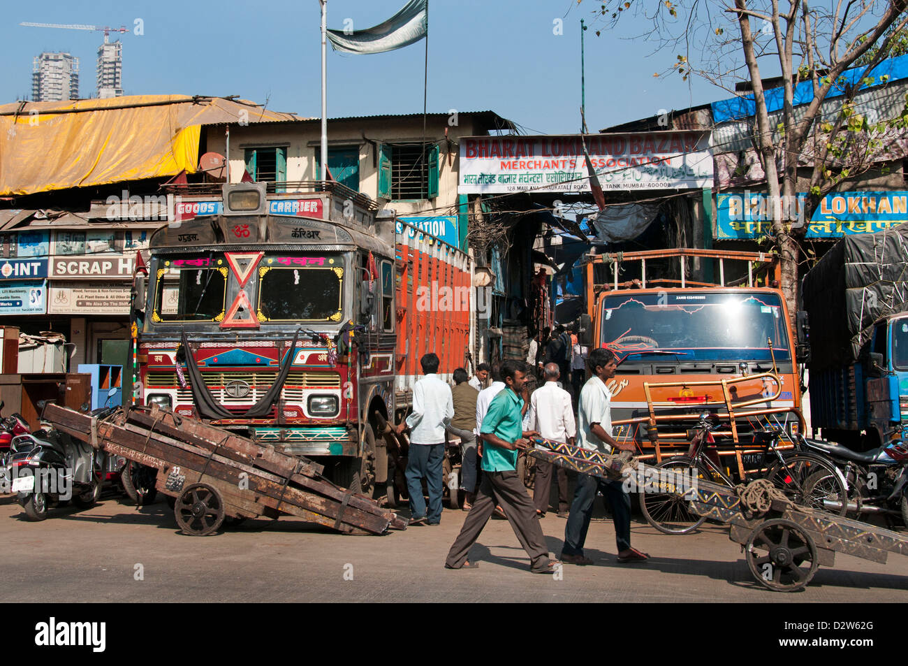 Transport camion route de Sardar Vallabhbhai Patel Chor Bazaar Mumbai ( Bombay ) l'Inde Photo Stock