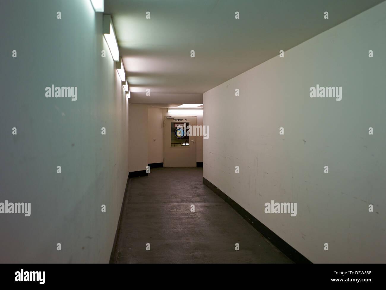 Berlin, Allemagne, chemin vide morne dans un parc Photo Stock