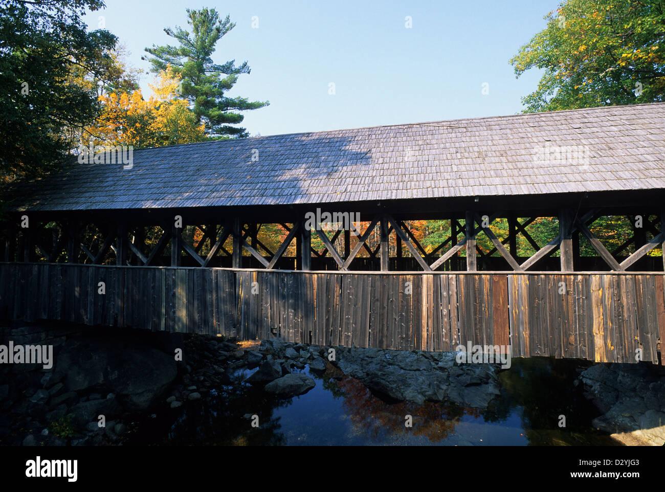 Elk282-1050, Bethel, Maine Sunday River pont couvert avec Photo Stock