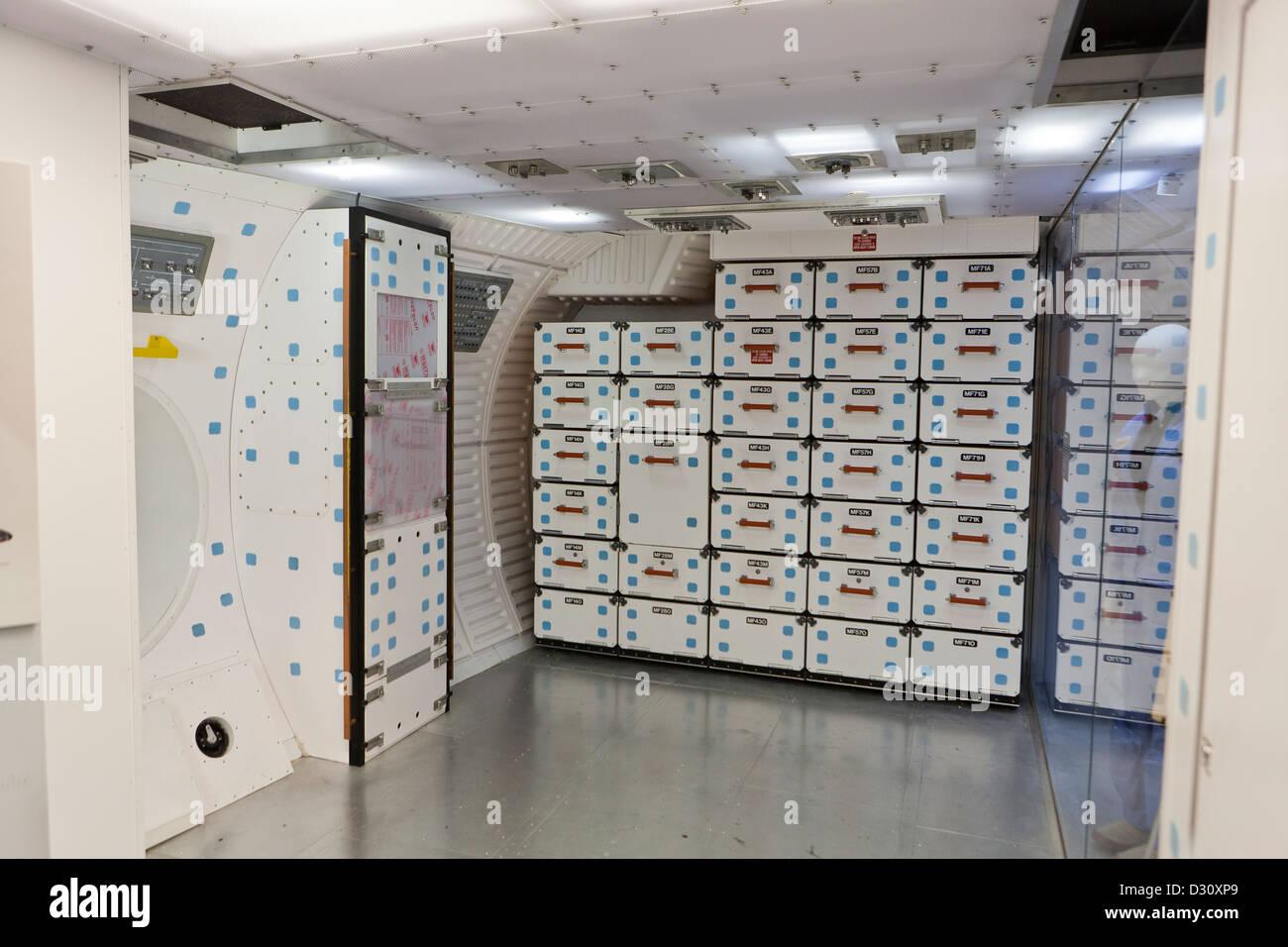 Maquette de la zone de stockage dans la Station spatiale internationale Photo Stock
