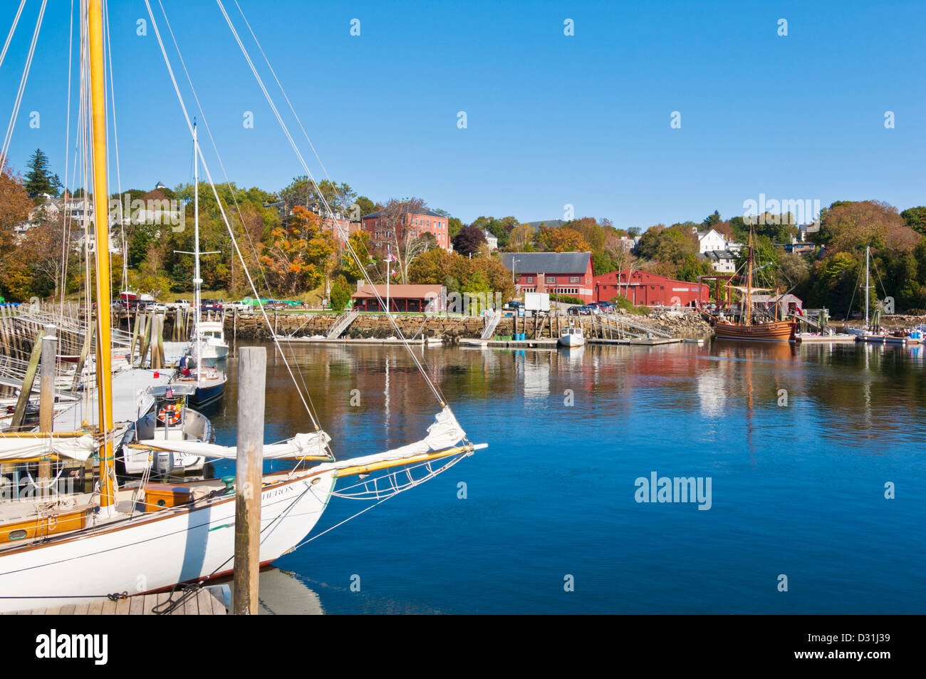 Yachts amarrés dans le port de Rockport harbor Maine New England USA United States of America Photo Stock