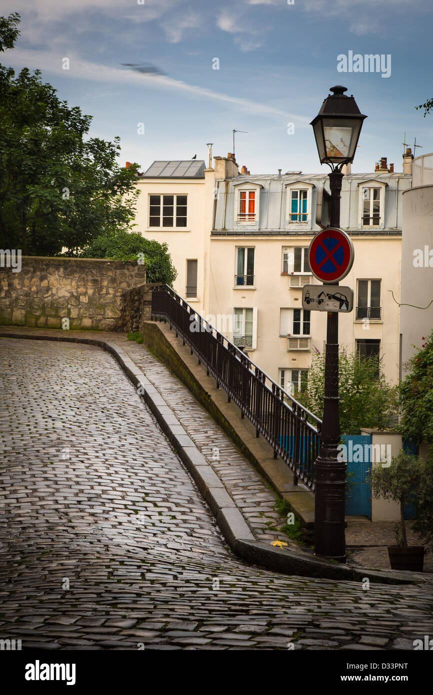 Allée sur la butte de Montmartre à Paris, France Photo Stock