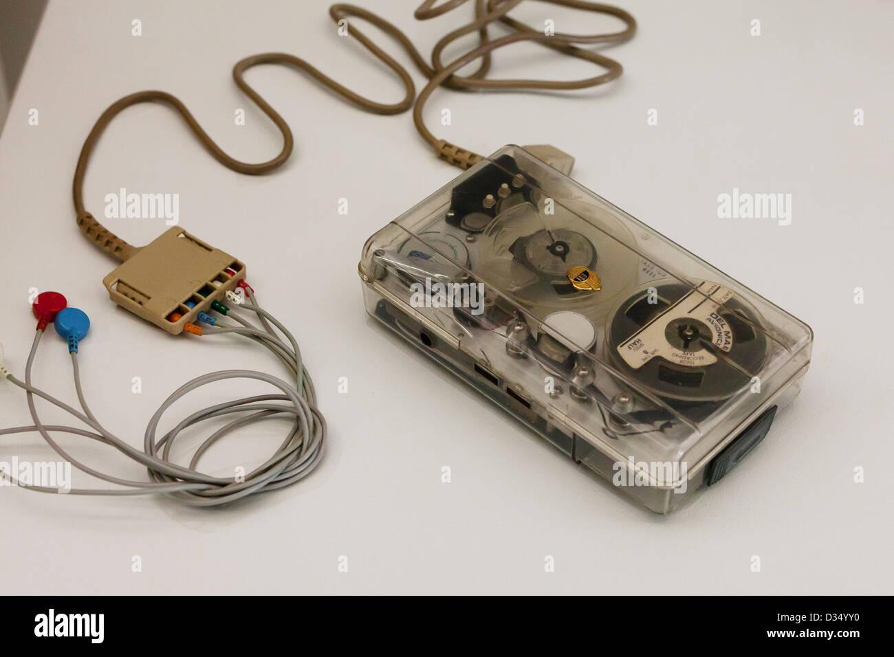 Moniteur cardiaque vintage des bandes d'enregistrement automatique - circa 1970 Photo Stock