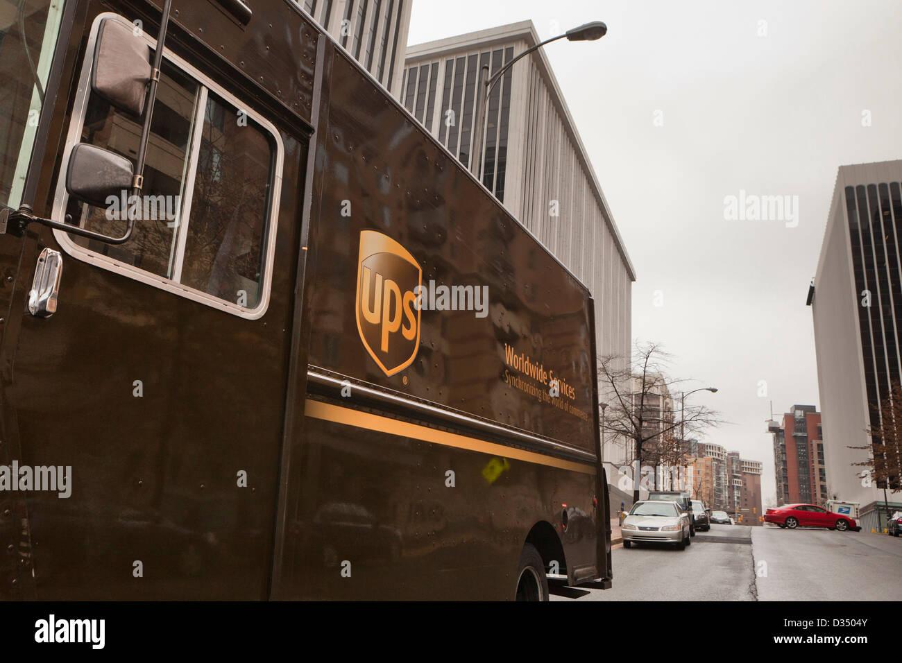 Camion de livraison d'UPS Photo Stock