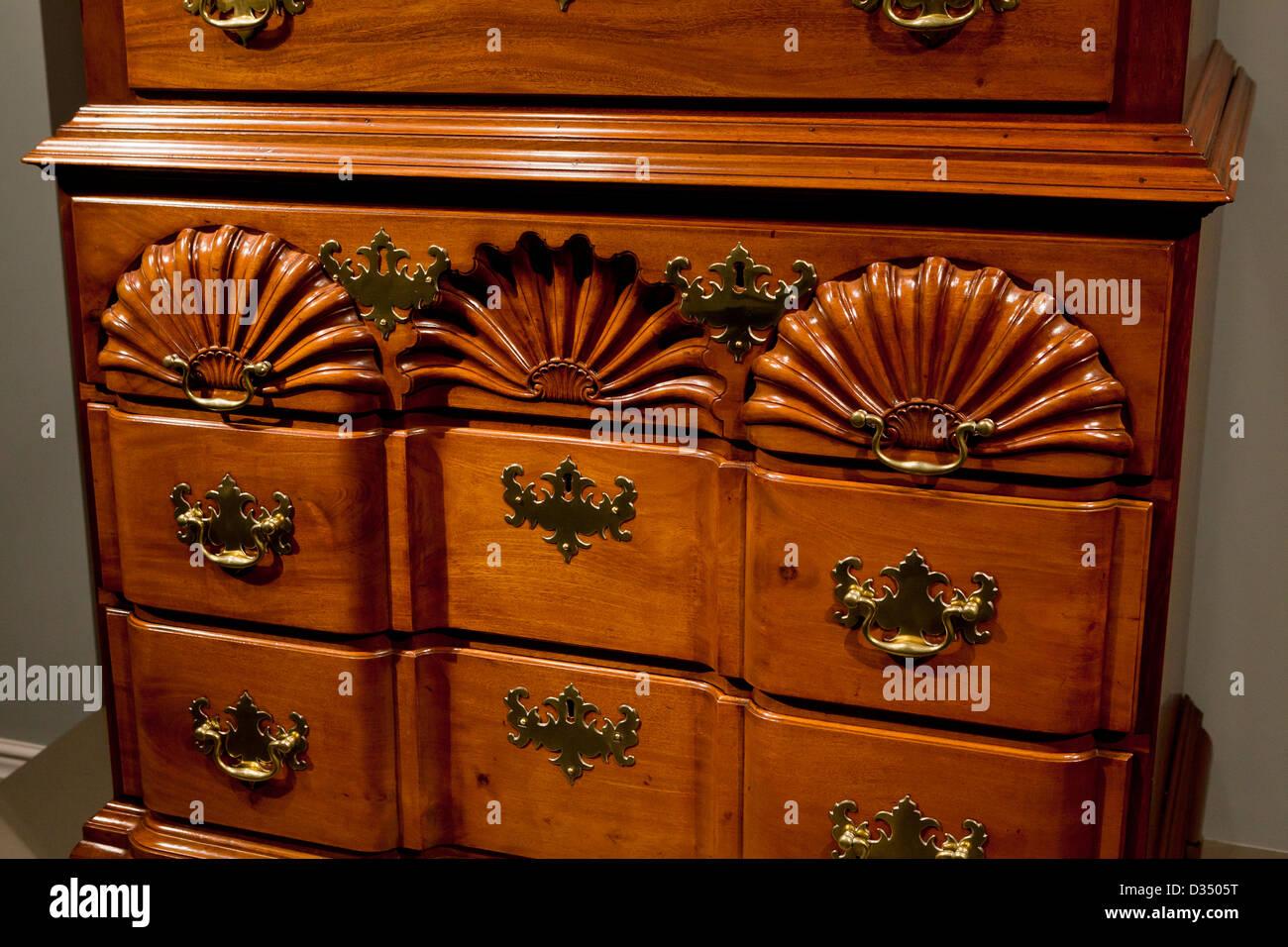 Poitrine en acajou, 18e siècle Photo Stock