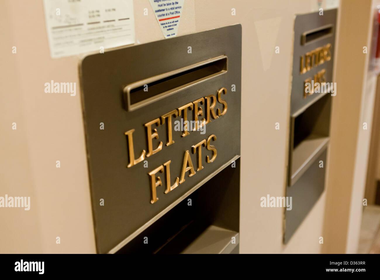 Boîte aux lettres murale Photo Stock