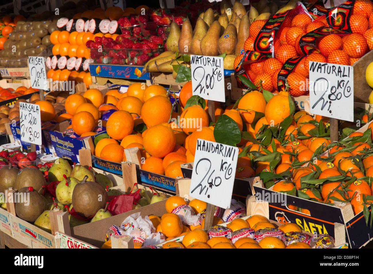 Étal de fruits à Venise, Italie Photo Stock
