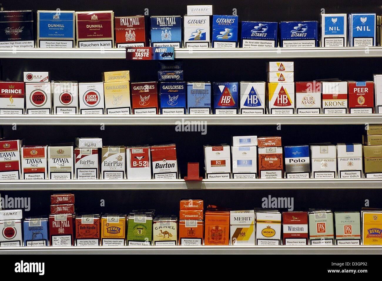 cigarettes on shelf photos cigarettes on shelf images alamy. Black Bedroom Furniture Sets. Home Design Ideas