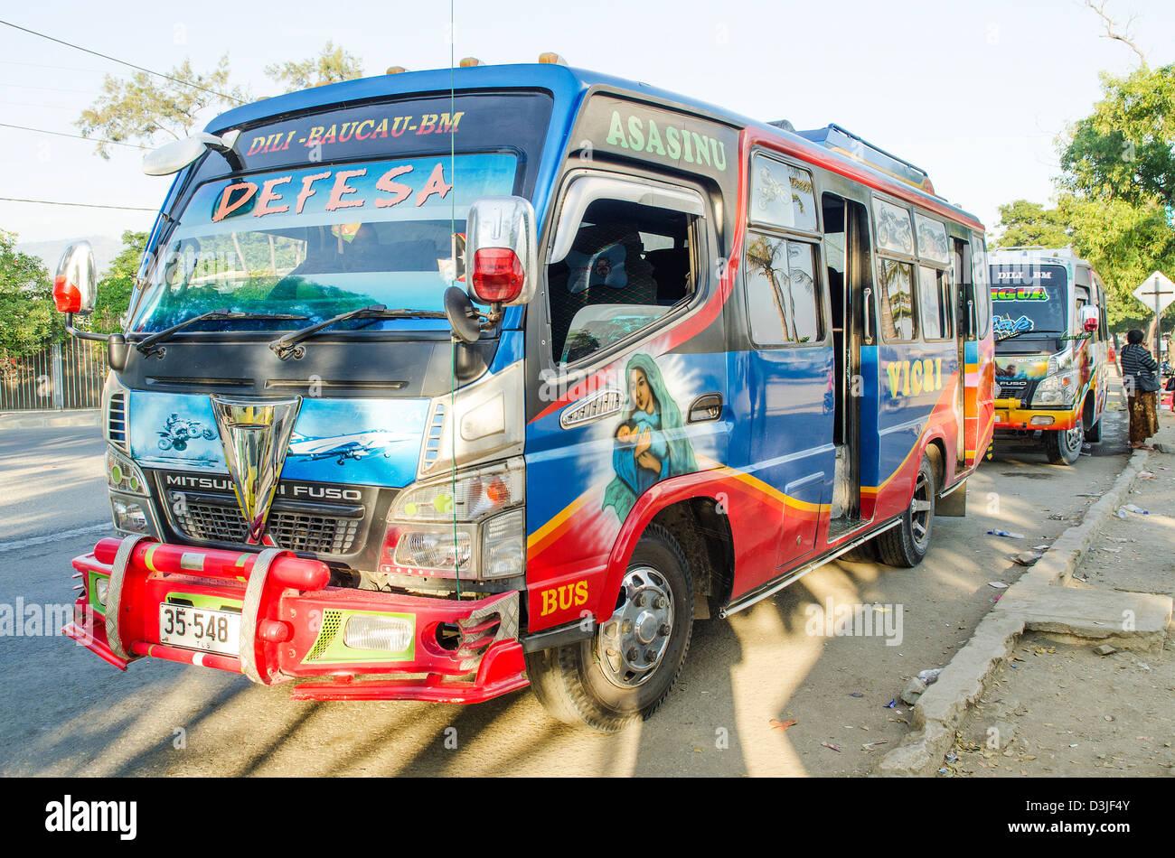 Bus microlet à Dili au Timor oriental Banque D'Images