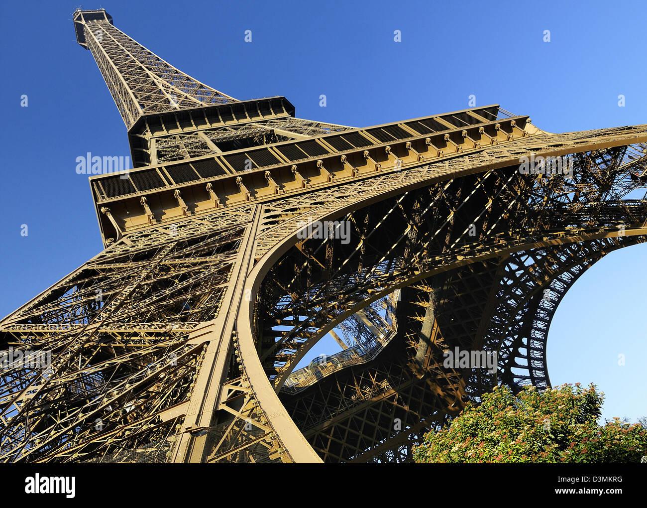 Détail architectural de la célèbre Tour Eiffel, Paris, France Photo Stock