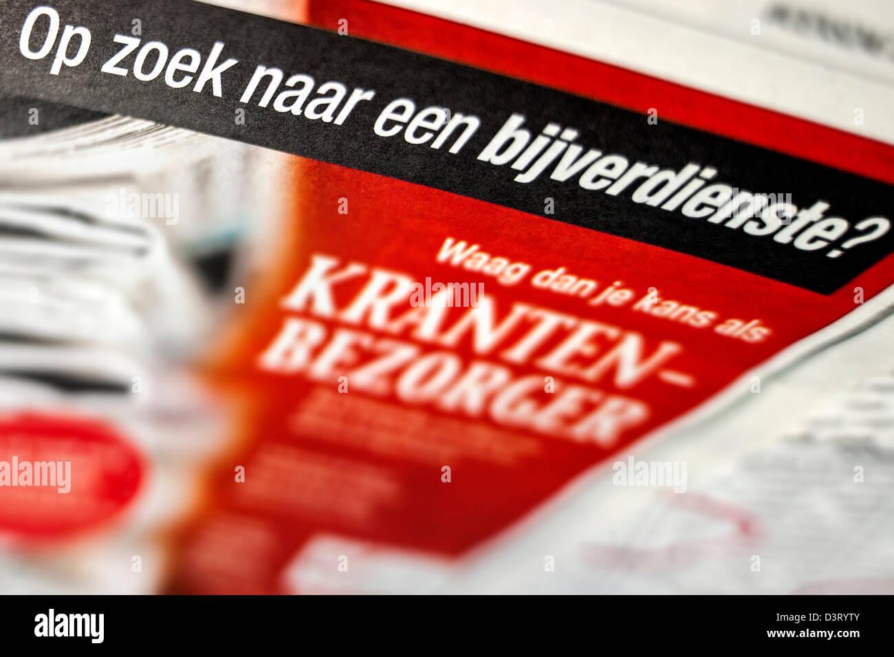 Poste vacant pour un revenu supplémentaire sur l'emploi page en Néerlandais / journal belge Photo Stock