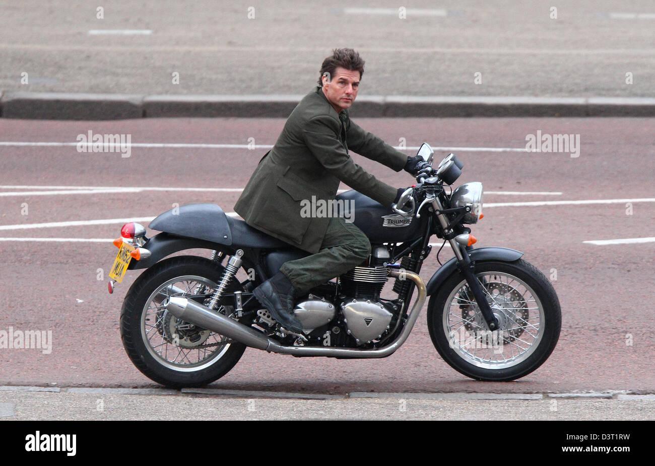 Londres Royaume Uni 24 Février 2013 Tom Cruise Vu à Cheval Sur