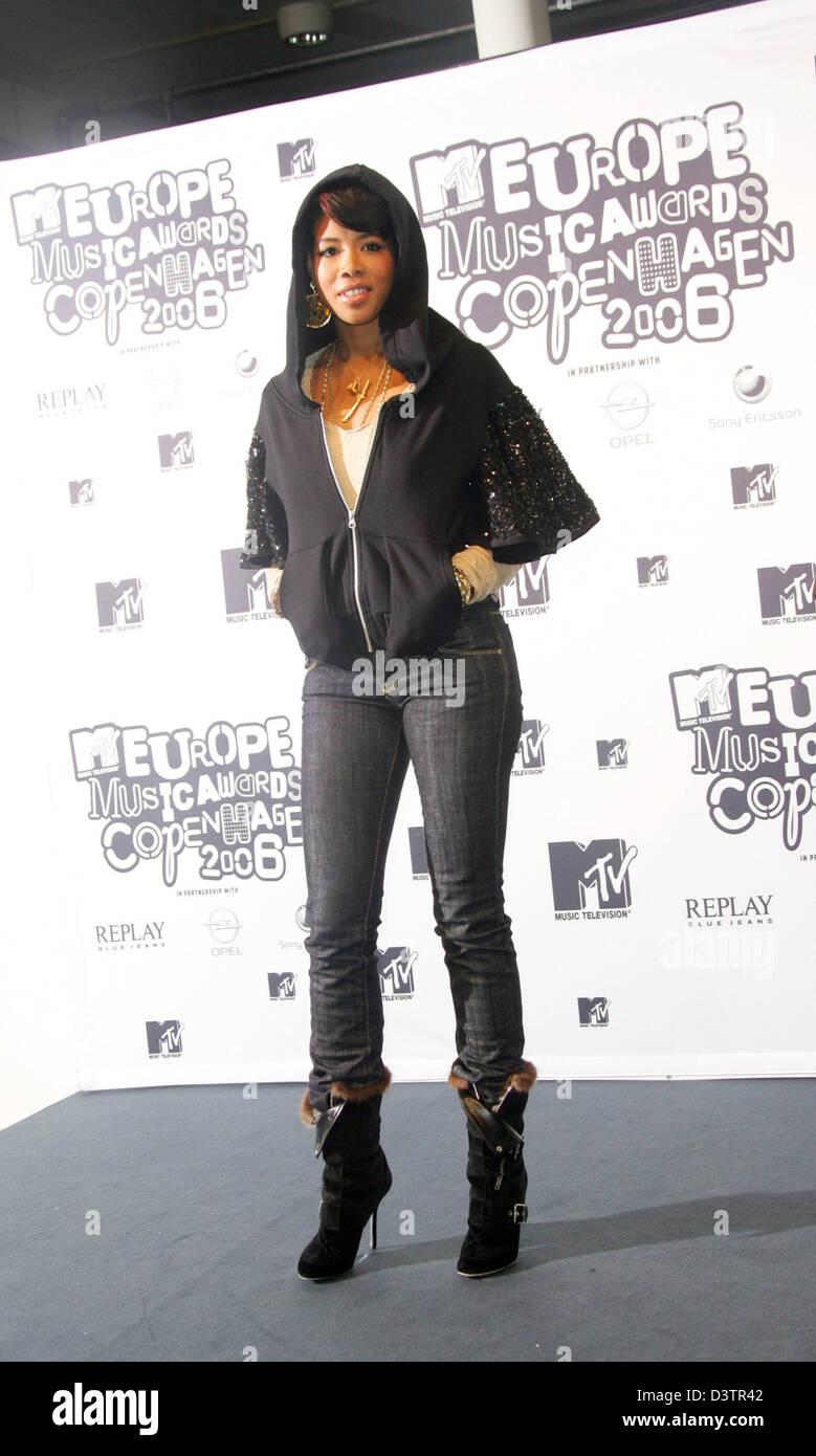 Singer Kelis pose à Bella Center pendant les MTV Europe Music Awards 2006 à Copenhague, Danemark, 02 novembre Photo Stock