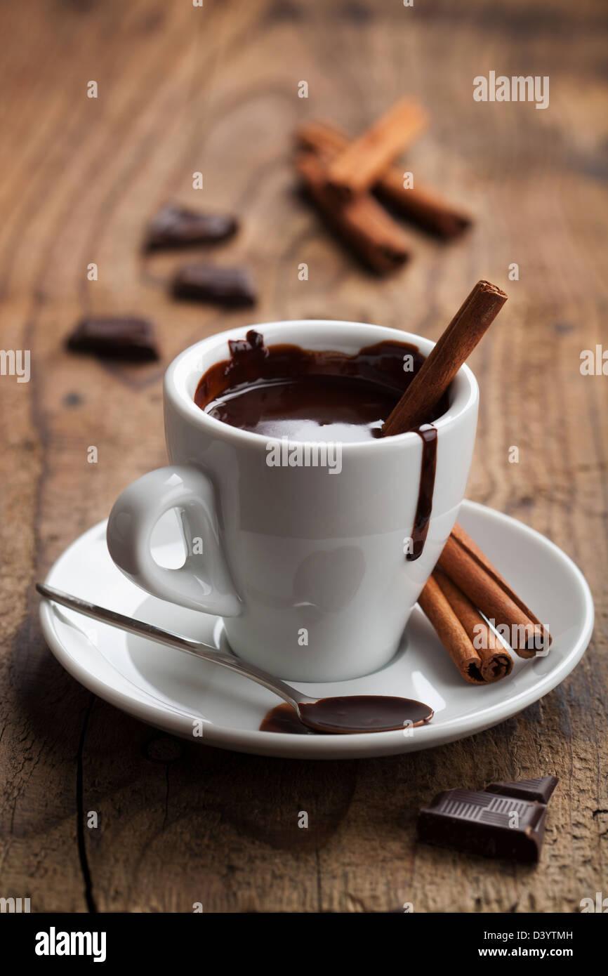 Chocolat chaud à la cannelle Photo Stock