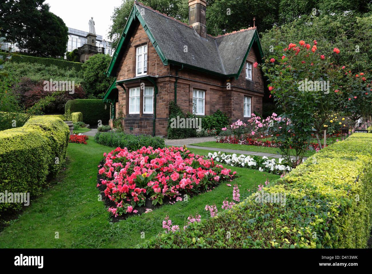 Les gardes du parc Cottage dans West Princes Street Gardens, le centre-ville d'Édimbourg, Écosse, Photo Stock