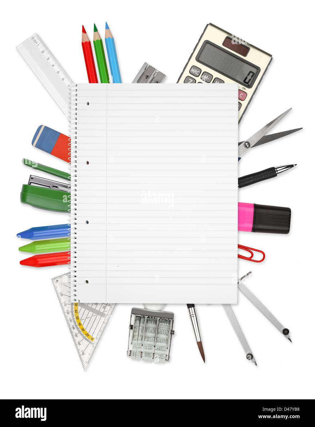 De nombreux outils de bureau sur un fond blanc Photo Stock