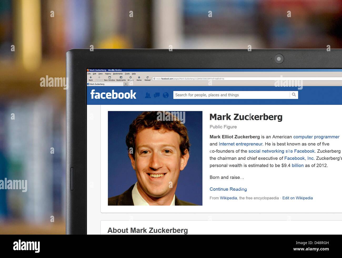 Le profil Facebook de Mark Zuckerberg, l'un des fondateurs, visibles sur l'ordinateur portable Photo Stock