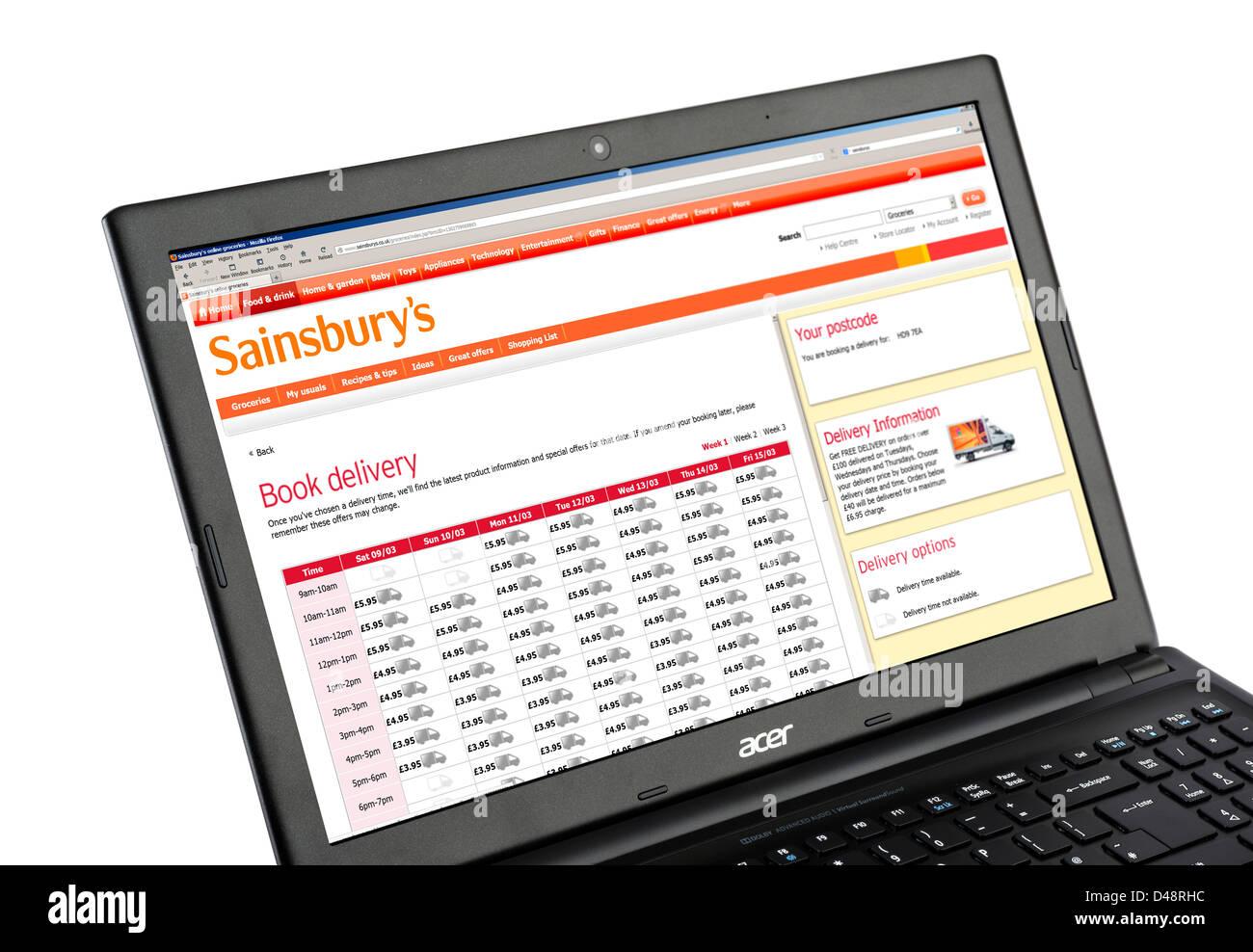 Réservation d'un service de livraison à domicile en ligne sur le site Web commercial de Sainsbury's, Photo Stock