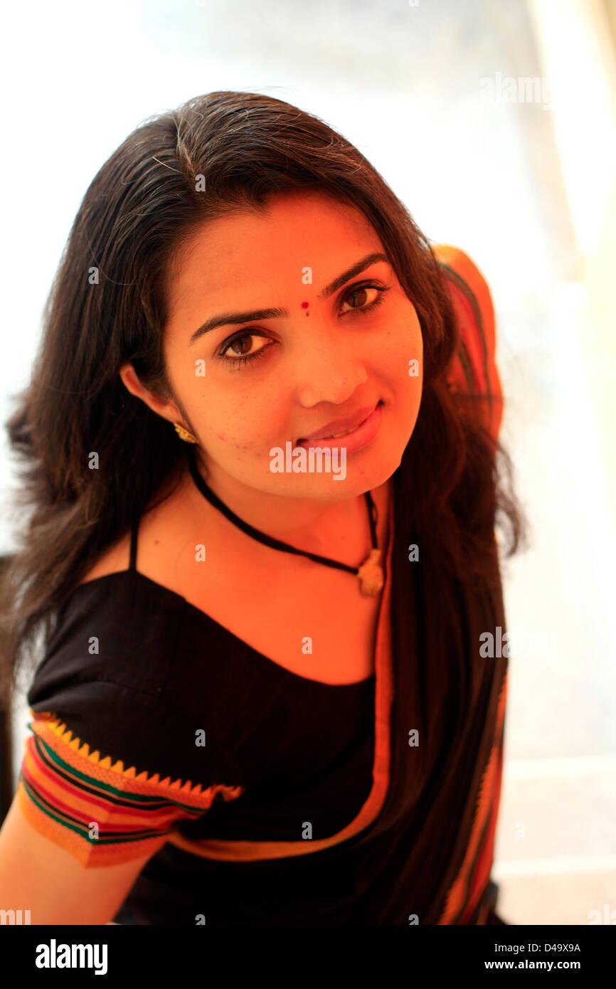 Modern Sari India Photos   Modern Sari India Images - Alamy cdb4b51fcf9c
