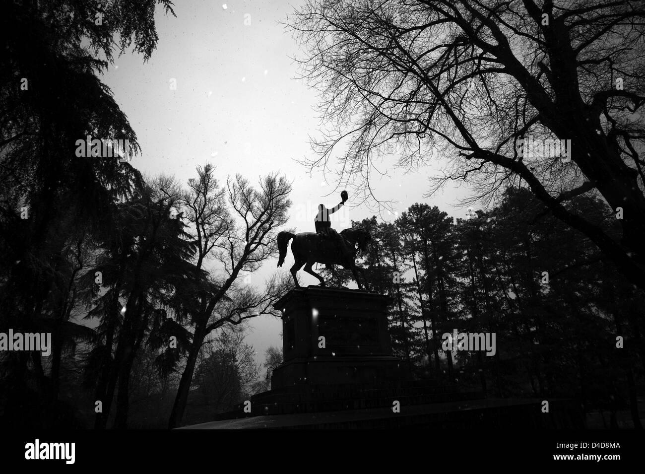 Milan. Le parc Sempione. Statue d'un homme à cheval Photo Stock