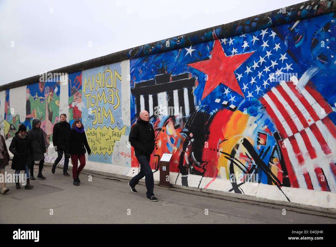 East-Side-Gallery, Berlin, Allemagne, la peinture de Peter Lorenz Photo Stock