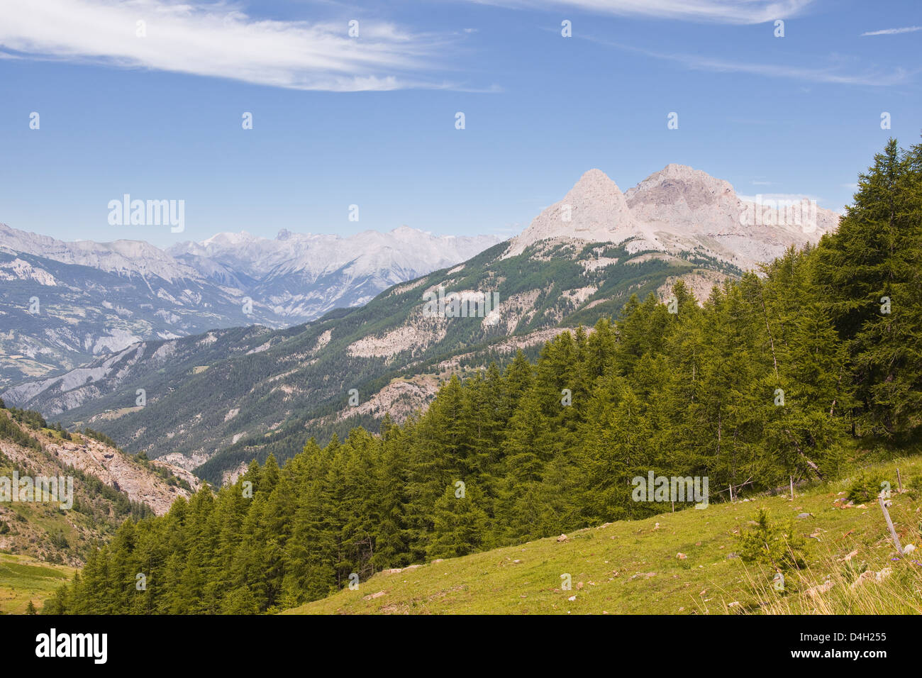 Le col de la chaîne de montagne et par la vallée de l'Ubaye, Alpes de Haute Provence, Provence, France Photo Stock