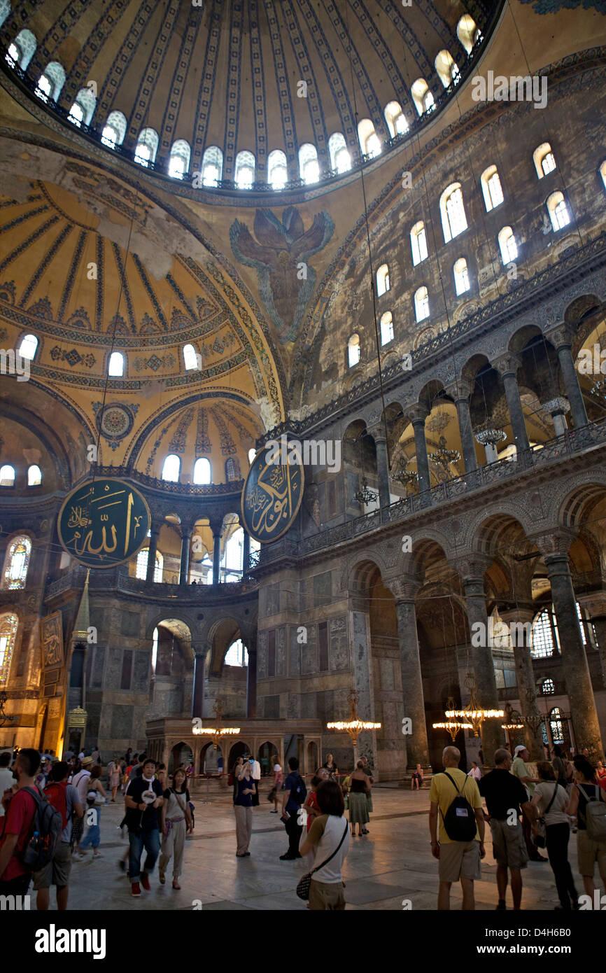 Intérieur du musée Sainte-Sophie, UNESCO World Heritage Site, Istanbul, Turquie, en Eurasie Banque D'Images