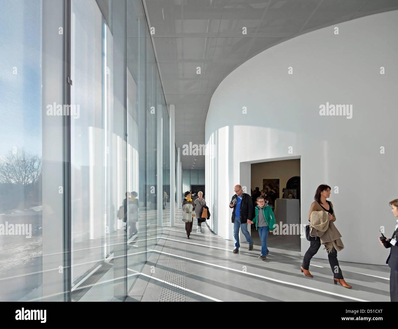 mus e du louvre lens lens france architecte sanaa 2012 vitrage toute hauteur dans salle. Black Bedroom Furniture Sets. Home Design Ideas
