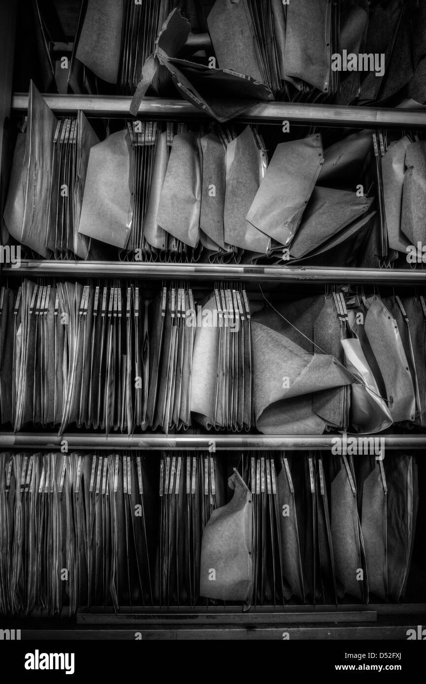 Ancienne archive dans l'hôpital psychiatrique abandonné Photo Stock