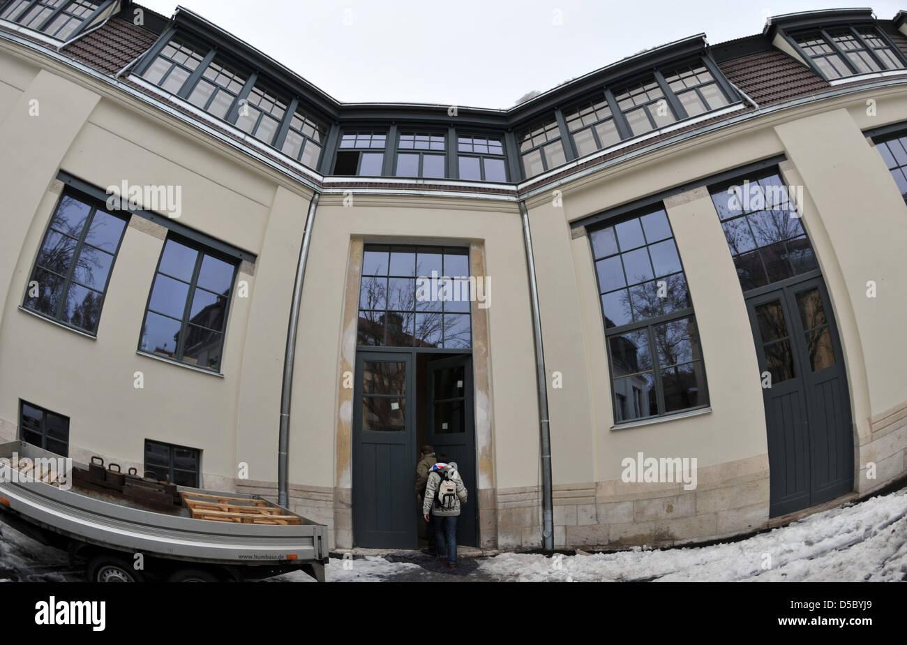 Vue extérieure du bâtiment Van-de-Velde s'appuyant sur les locaux de l'Université Bauhaus de Weimar, Allemagne, Banque D'Images