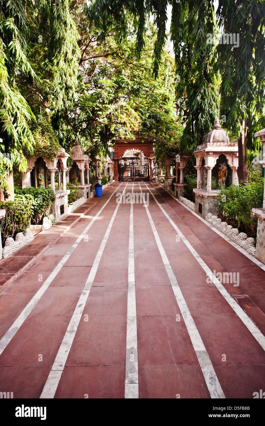 Chemin de ronde dans un parc, Rajkot, Gujarat, Inde Banque D'Images