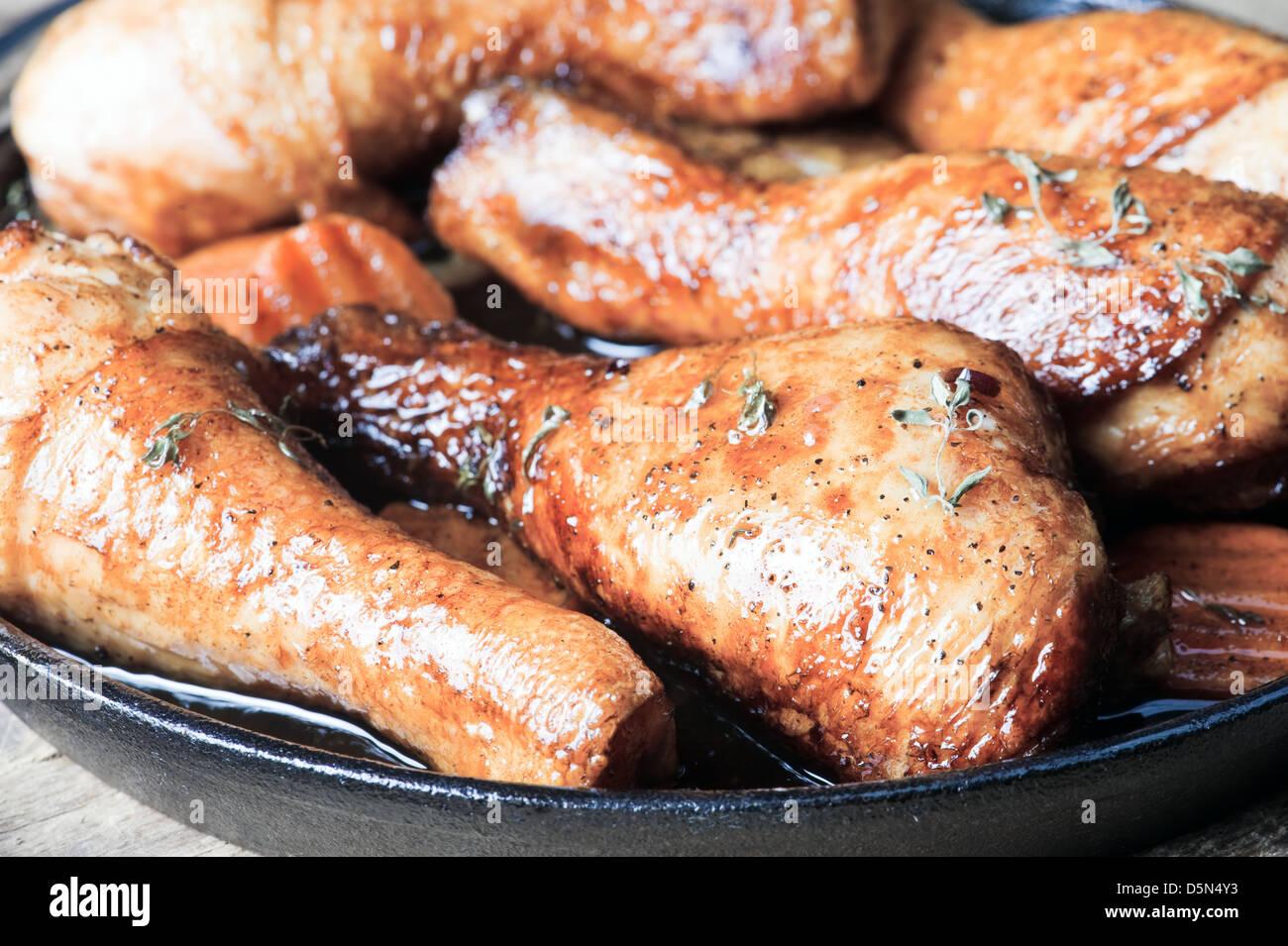 Cuisses de poulet frit avec croûte dorée Photo Stock