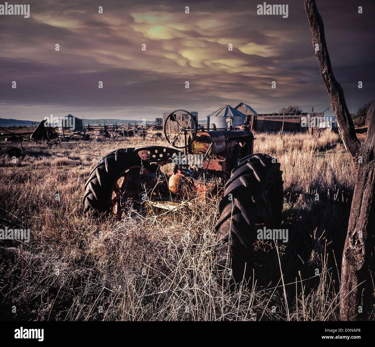Dans l'équipement agricole délabrée Photo Stock