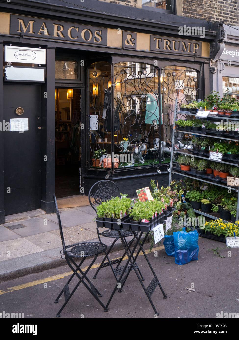 Jolie boutique en Colombie-Britannique par le Marché aux Fleurs, London Road Photo Stock