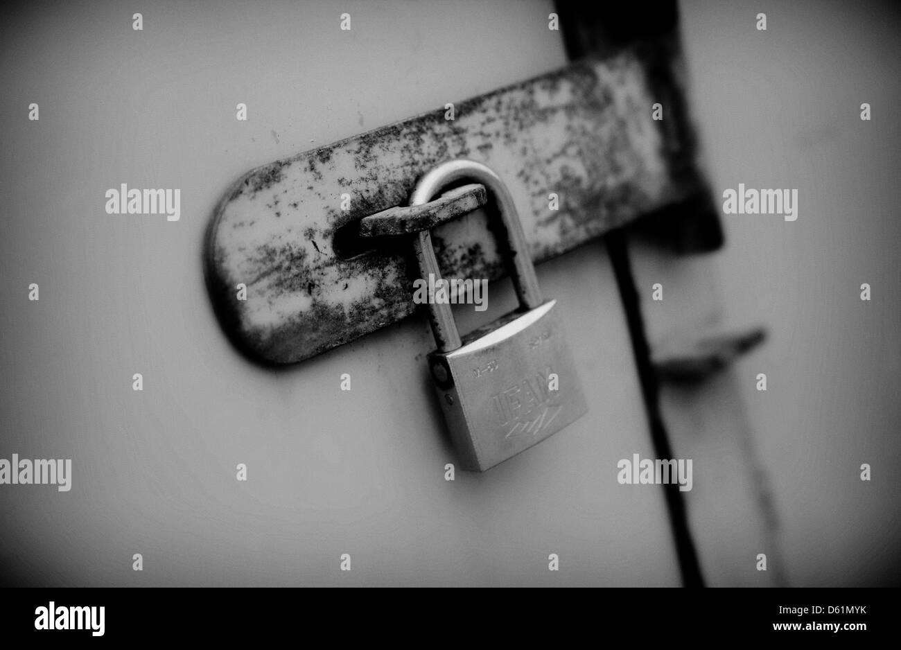 Une porte cadenassée Photo Stock