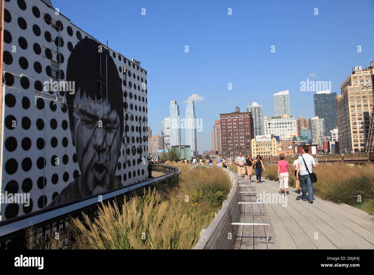 Le parc High Line, un parc public sur l'ancienne voie ferrée, Manhattan, New York City, États-Unis Photo Stock