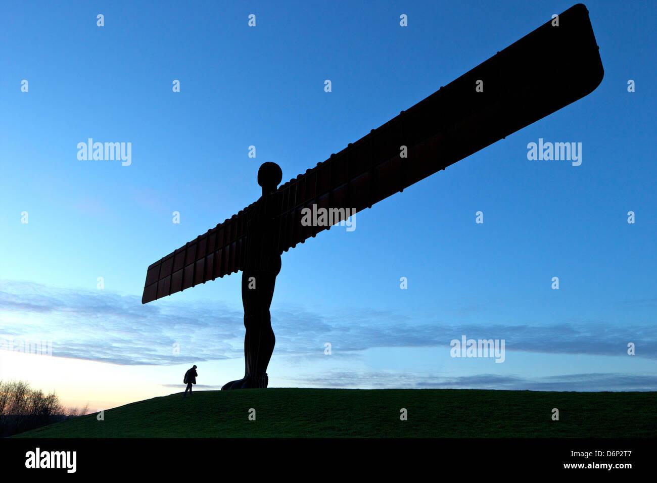 Ange du Nord par Antony Gormley, construit 1998, Gateshead, Tyne et Wear, Angleterre, Royaume-Uni, Europe Photo Stock