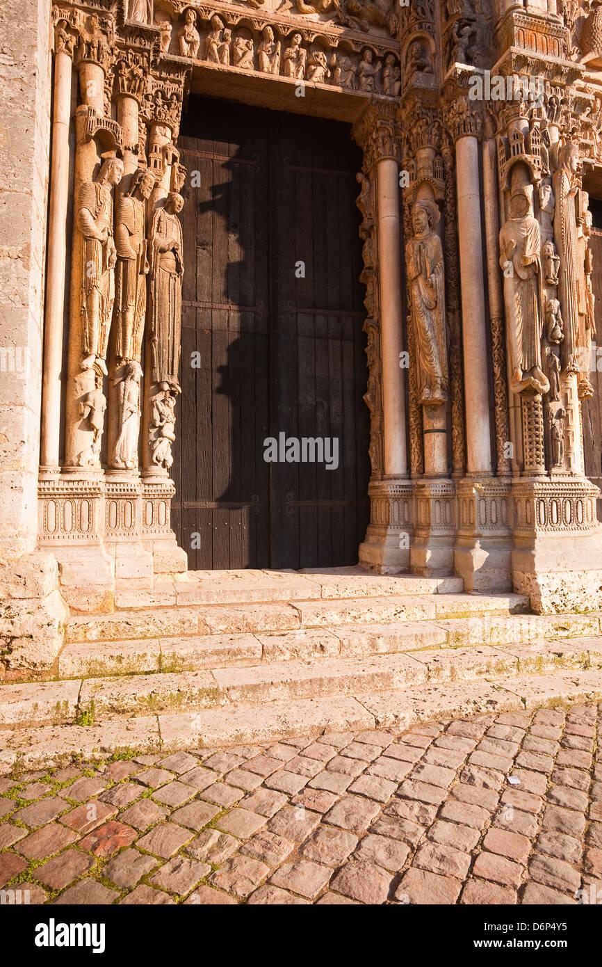 Une partie du tympan à l'ouest l'avant de la cathédrale de Chartres, l'UNESCO World Heritage Photo Stock