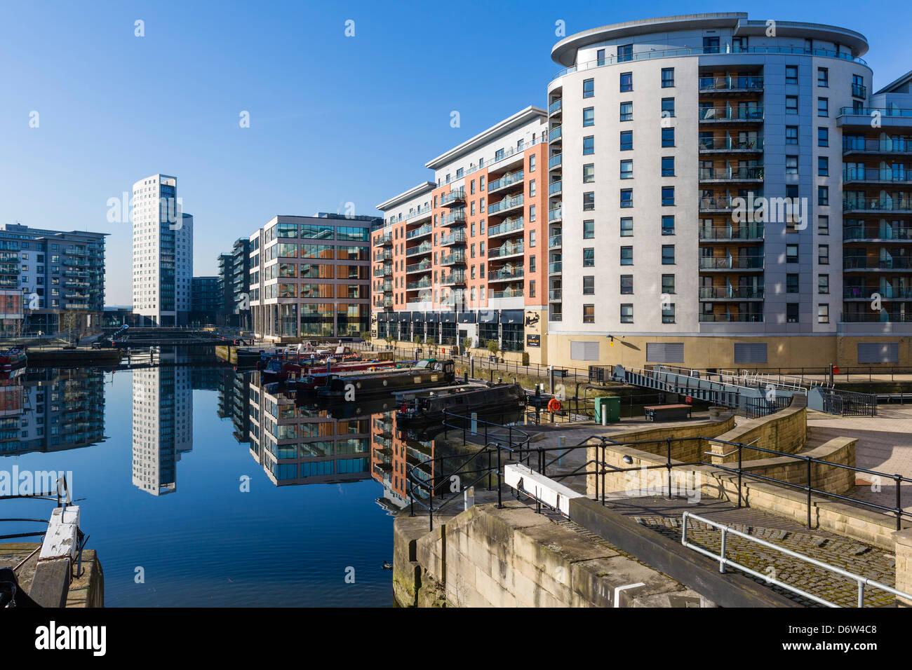 Appartement front de blocs dans Clarence Dock, Leeds, West Yorkshire, Royaume-Uni Photo Stock