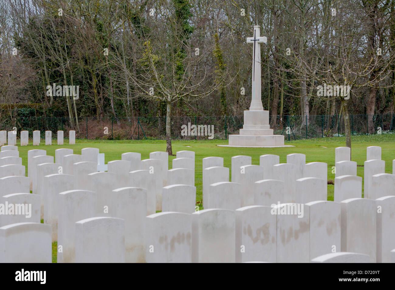 Cimetière militaire et Mémorial français de seconde guerre mondiale (1939-1945) à Hermanville Photo Stock